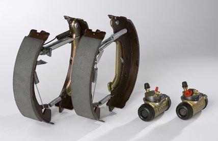remplacer disques et plaquettes de frein kit de frein flexible de frein. Black Bedroom Furniture Sets. Home Design Ideas